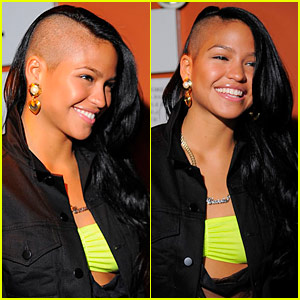 cassie-ventura-shaved-head